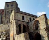 """Visita alla Sacra di San Michele, l'abbazia che ispirò Umberto Eco per il romanzo """"Il nome della rosa"""""""