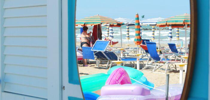 Il mare delle Marche, una regione al plurale. Qui il soggiorno è un viaggio a 360 gradi